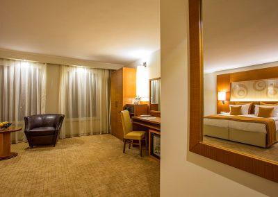 landmark-hotel-plovdiv-deluxe-room-2